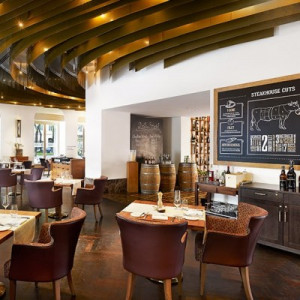 Restaurant Dstrict Steakhouse