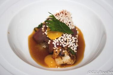 Bondage - Kalbszunge - Bondage - Kalbszunge, Langostine stark geröstet, Lauchmark, Mandarine, Shisoblatt grün, Wasabi Ganache